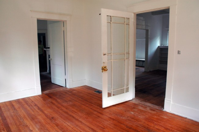 Doors to middle bedroom and living room.