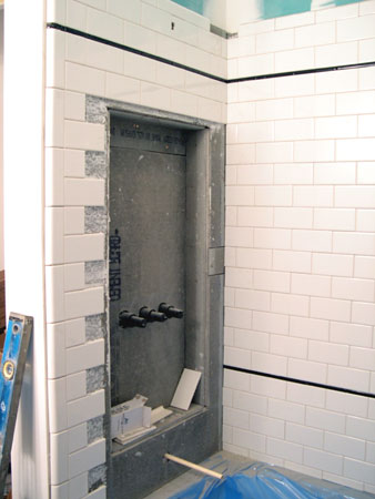 Bathroom subway tiling