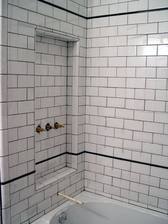 Subway tile dark grout
