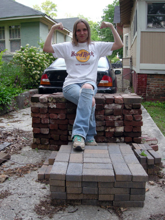 Steffi with bricks