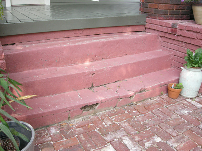 Broken bungalow cement stairs
